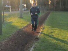 lopen-op-piste-met-boomschors